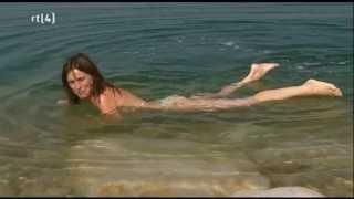 Download daphne bunskoek bikini dode zee Video