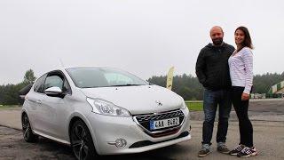 Download Domácí autoškola - GARÁŽ.cz - Krásná studentka a Peugeot 208 Video