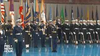 Download Watch full military farewell to President Obama Video