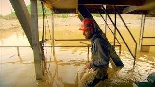 Download When Your Floating Dredge Just Won't Float | Gold Rush Video