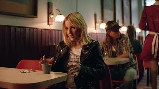 Download Major Lazer - Powerful (feat. Ellie Goulding & Tarrus Riley) Video