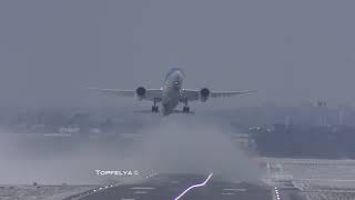 Download Being 787 pilots battling with crosswind Epic jet blast during takeoff Video