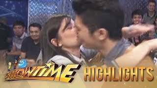 Download It's Showtime: Anne Curtis kisses Vhong Navarro Video