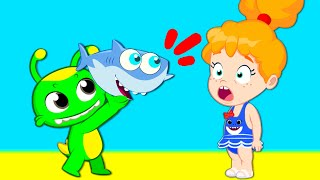 Download Learn about marine animals helping Baby Shark | Groovy The Martian educational cartoon for toddlers Video