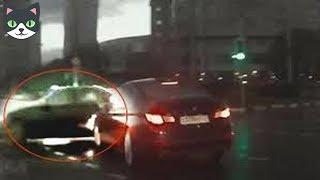 Download 🔴 5 AUTOS FANTASMAS CAPTADOS EN CÁMARA | TELETRANSPORTACIONES REALES DE AUTOS Video