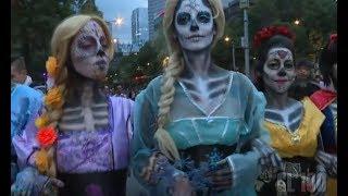 Download La tradición mexicana que el mundo envidia | El día de muertos Video