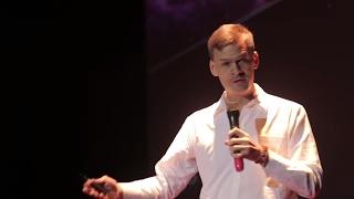 Download Winning the fight against human trafficking | Michael Brosowski | TEDxBaDinh Video