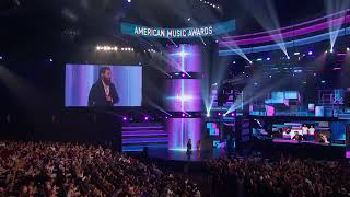 Download Jared Leto awards Bruno Mars with 'Artist of the Year' at the 2017 AMAs Video