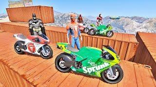 Download HOMEM ARANHA BATMAN E HOMEM DE FERRO COM SUPER MOTOS! DESAFIO DE MOTORBIKE MAPA NOVO - IR GAMES Video