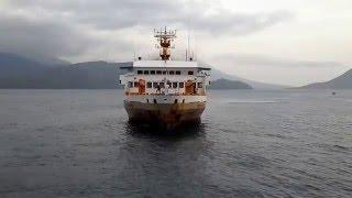 Download Detik detik kapal penumpang besar merapat yang hampir menabrak Video