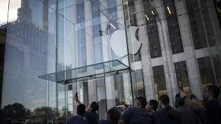 Download How Apple Lost Out in China to Local Rivals Video