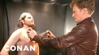 Download Conan Visits A Spray Tanning Salon & Gets A Weave - CONAN on TBS Video