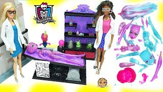 Download Scientist Barbie Dolls Create A Blob & Ice Girls Monster High Doll in Lab - Toy Video Video