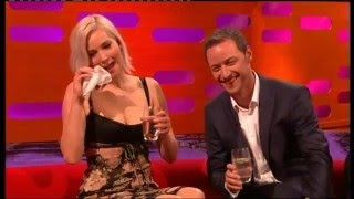 Download Toilet joke reduces Jennifer Lawrence to tears Video
