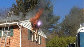 Download House Fire With Wires Down & Initial Attack Hain Ave Muhlenberg Twp 11/11/16 Video