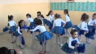 Download Scoala Spectrum Constanta- Dansul stelutelor 2011- Majorete fulgi de nea Video