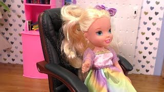 Download Who is the Boss ? Elsa and Anna toddlers Video