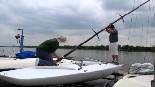 Download Stepping a C scow mast. Video
