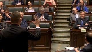 """Download Raoul Hedebouw: """"Dit is de regering van de prutsers!"""" Video"""