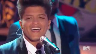Download Bruno Mars - Valerie (Tribute to Amy Winehouse) Video