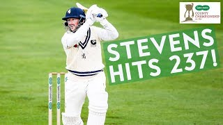 Download 43-YEAR-OLD Darren Stevens Hits 237 off 225! | Yorkshire v Kent | Specsavers County Championship Video