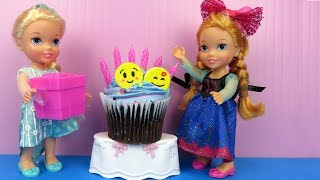 Download Anna's BIRTHDAY party ! Elsa and Anna toddlers party with guests - Pinata - Cake - Gifts - Games Video