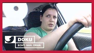 Download Kupplung, Gas und los! Der Verkehrsübungsplatz (Teil1)| Experience - Die Reportage | kabel eins Doku Video