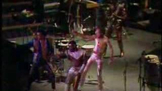 Download Earth, Wind & Fire - Let Your Feelings Show Video