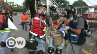 Download Deadly clashes in Venezuela as crisis deepens   DW English Video