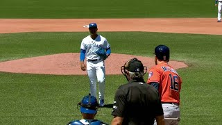 Download HOU@TOR: Stroman approaches the home-plate umpire Video