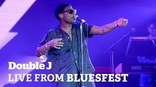 Download Leon Bridges - Bad Bad News (live at Bluesfest) Video