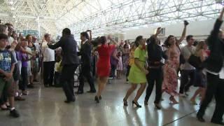 Download Flash Mob TAP no Aeroporto do Galeão - Rio de Janeiro Video
