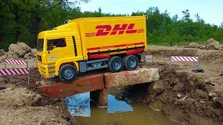 Download BRUDER truck DHL falls into water Video