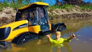 Download BRUDER Tractor MUD trouble! JCB Fastrac ride problems! Video