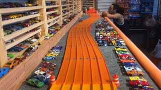 Download HOT WHEELS ″SUPER SNAKE SLALOM COURSE″ ″DAY 1″ Video