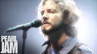 Download Rearviewmirror (Live) - Touring Band 2000 - Pearl Jam Video