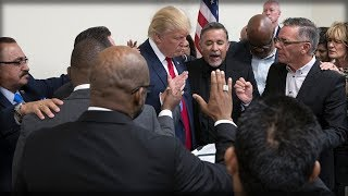 Download ALERT: TRUMP'S PRAYER WARRIORS JUST ASSEMBLED TO FIGHT OFF SATAN'S ATTACKS ON HIM - JOIN THEM NOW!!! Video