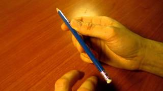 Download Cómo girar un boli o lápiz alrededor del pulgar - How to turn a pen thumbaround and reverse Video