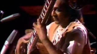 Download Pandit Ravi Shankar - sitar - Raga Yaman Kalyan - 1974 Video