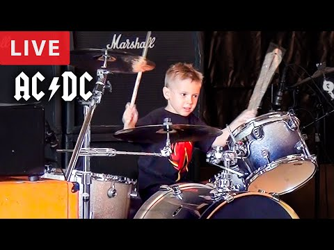 THUNDERSTRUCK - LIVE (5 year old Drummer)