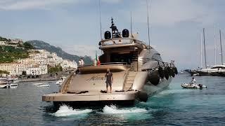 Download Splendida manovra super Yacht MARINA Coppola Video
