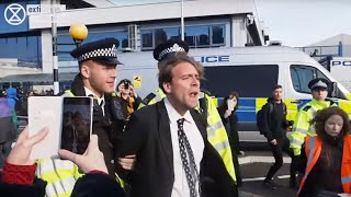 Download Oxford Senior Psychology Lecturer arrested, ″Because children are dying!″ | Extinction Rebellion Video