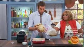 Download PERUVIAN STYLE CHICKEN ON THE KITCHEN Video