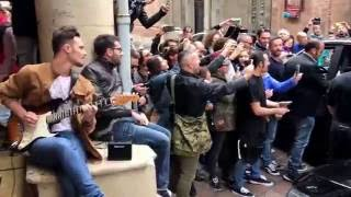 Download Red Hot Chili Peppers exit @Bologna hotel Video