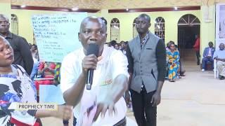 Download Prophet Kakande giving several delivering prophecies. Video