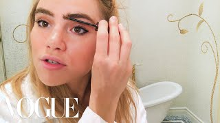 Download Suki Waterhouse's Guide to It Brit Eyeliner | Beauty Secrets | Vogue Video