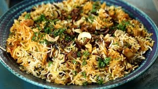 Download Kerala Biryani Recipe | Vegetarian Maincourse Recipe | Masala Trails With Smita Deo Video