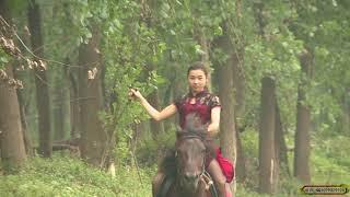 Download 湘燕美女骑马之旗袍高跟鞋Chinese girls riding high heels Video