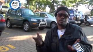Download ANI ASINGA- Willy Mukaabya ne Omuyaaye Ganja Mukabya emyaka mbu gimutawanya Video