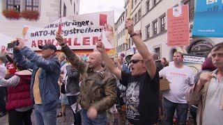 Download Busreise zur ″Kanzlerin der Schmerzen″: Wutbürger gegen Merkel Video